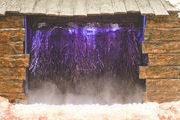 Soleverneblung im Gradierwerk der Salzgrotte
